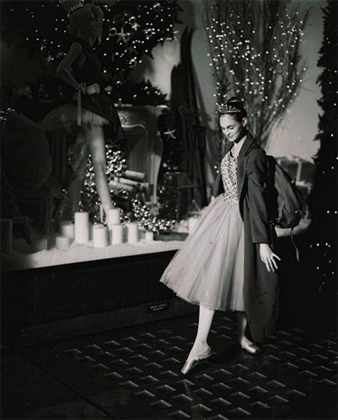 Selfridges-Christmas2012-BallerinaLG